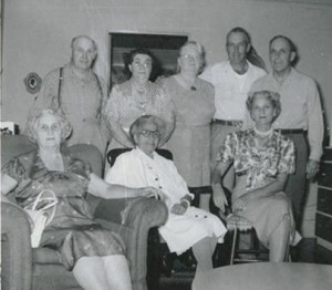 Tacoma Bahá'ís in the 1940s. Nettie Asberry is seated center, Elizabeth is standing center.