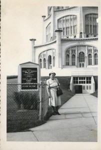 Elizabeth visiting the Wilmette Temple c. 1953 - 1955